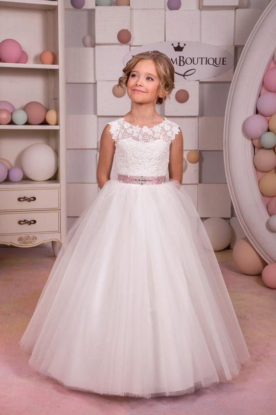 لباس عروس بچه گانه یقه دانتل