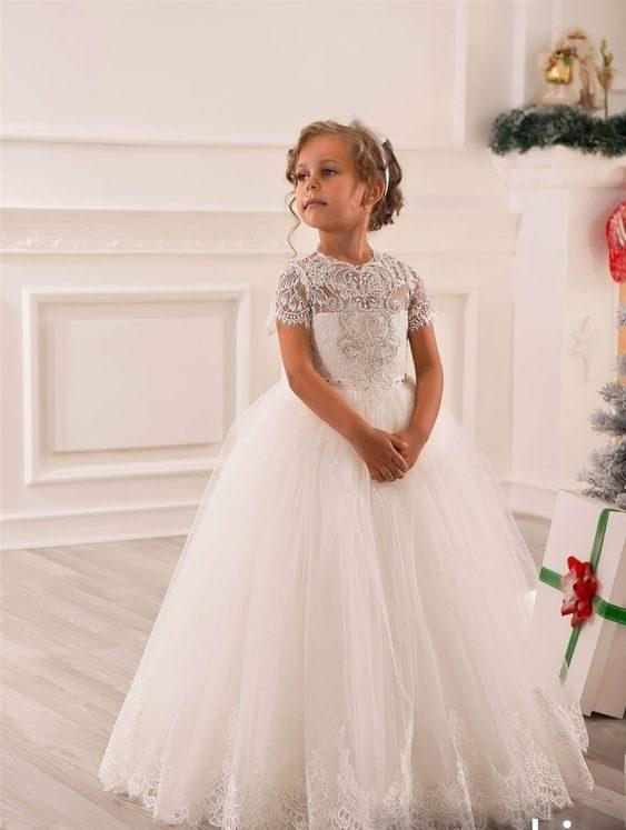 لباس عروس بچه گانه با شینیون