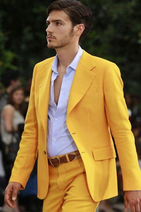 کت و شلوار زرد