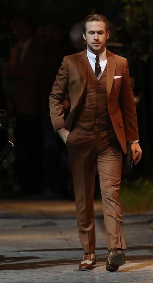 کت و شلوارهای مردانه قهوه ای رنگ برای آقایان