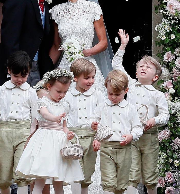 لباس عروسی بچه گانه اعضای خاندان سطلنتی انگلیس