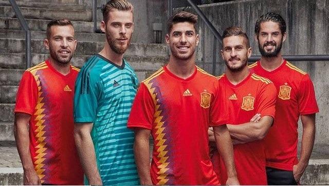پیراهن تیم ملی اسپانیا