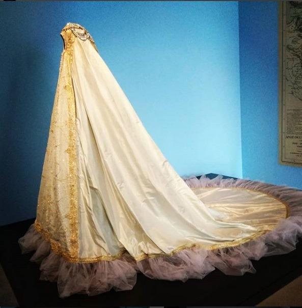 جامه فاخر عصر قجر در موزه لوور فرانسه