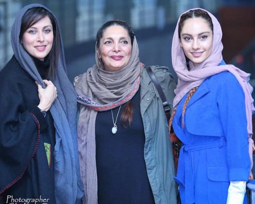 ترلان پروانه در کنار دو تن از بزرگان سینمای ایران