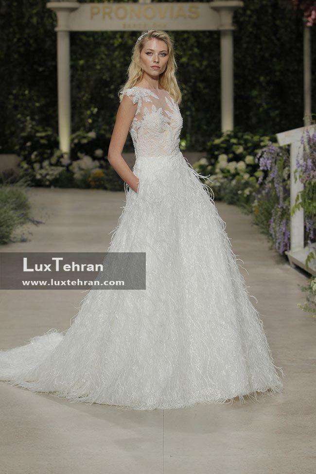 لباس عروس 2018 طرح سینه بند دار با دامن پف دار