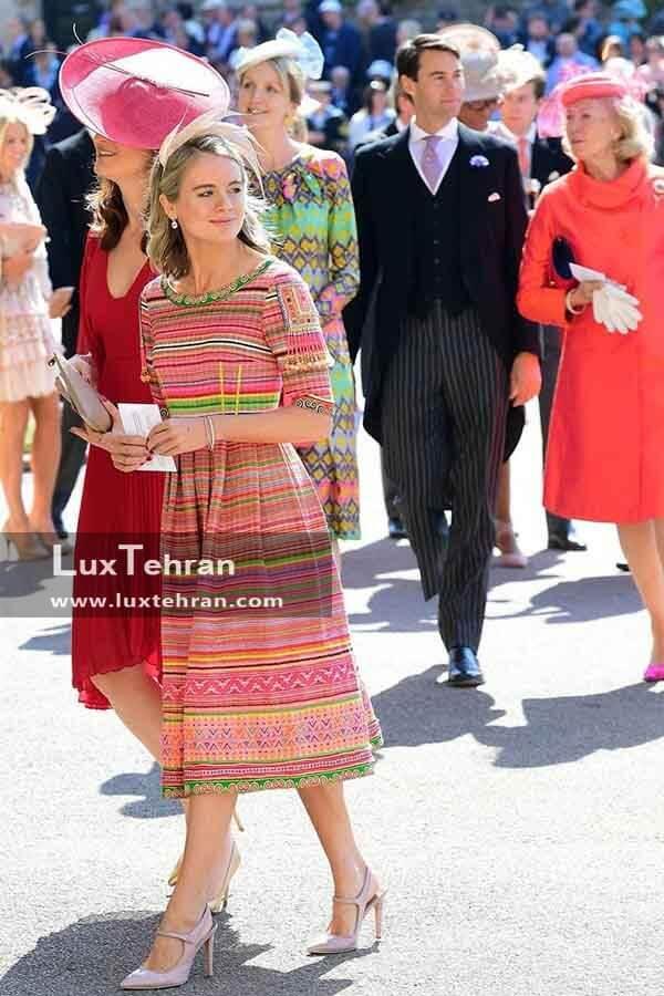 (لباس ساده و رنگارنگ شیک CRESSIDA BONASدر مراسم عروسی مگان مارکل