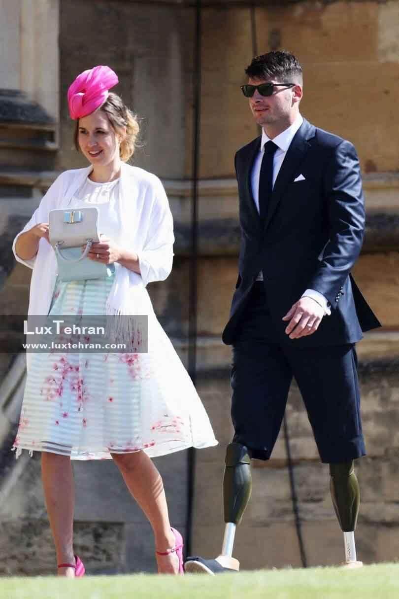 تصویری از لباس DAVID HESON و همسرش HAYLEY HENSON در مراسم عروسی مگان مارکل و هری
