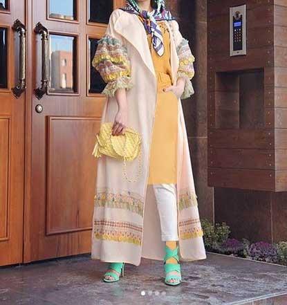 مدل مانتو جلوباز اسپرت دخترانه بلند در رنگ روشن