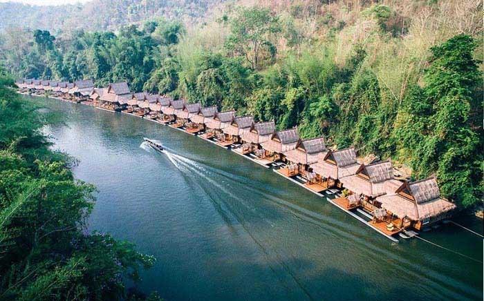 هتل های شناور در مناطق مختل دنیا