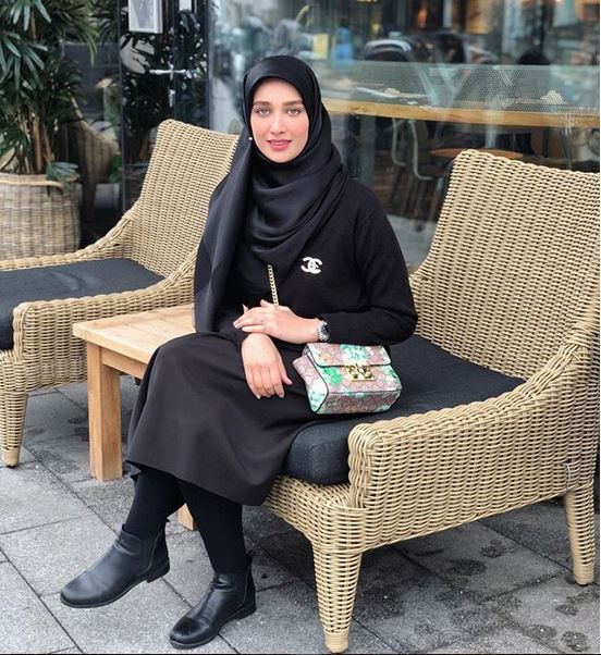 استایل مشکی آناشید حسینی