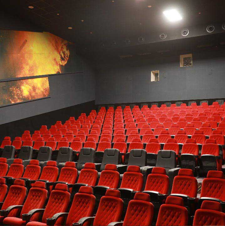 نمایی از معماری سالن های سینمایی ایران مال