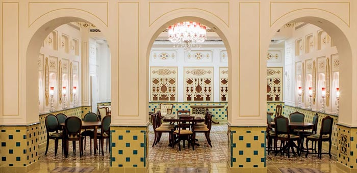 تصویر معماری فاخر شربت خانه ایران مال