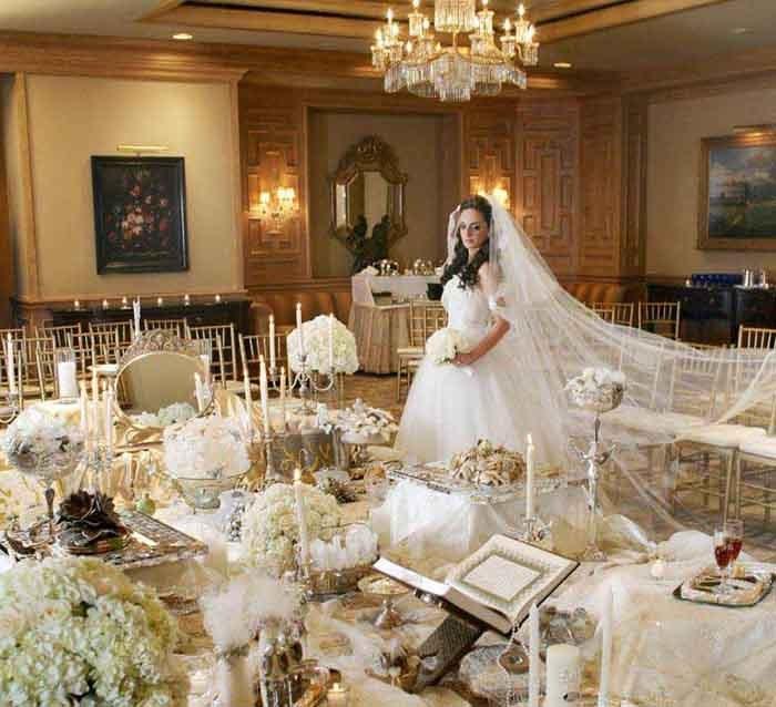 از طراحی لباس عروس ساره خواجه نوری در آمریکا ۲۰۰۹