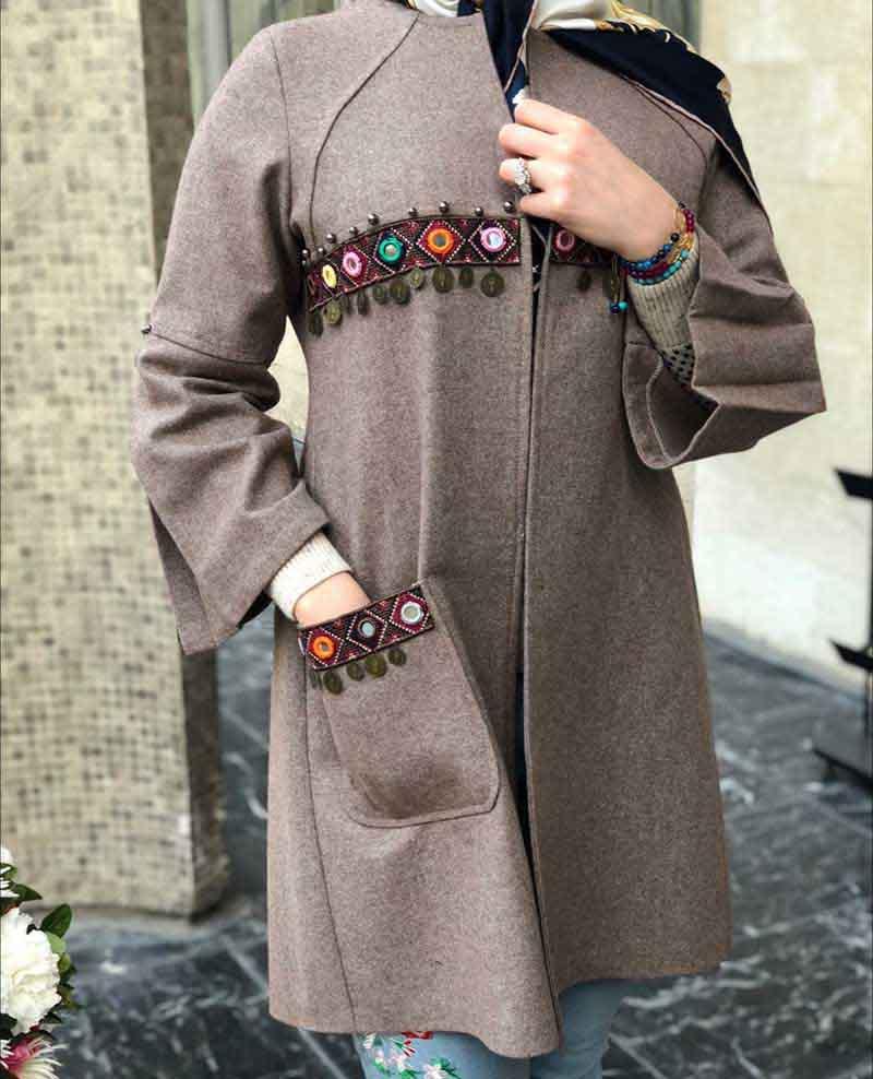 کسسوری های رنگارنگ، استایل دخترانه در مدل مانتو