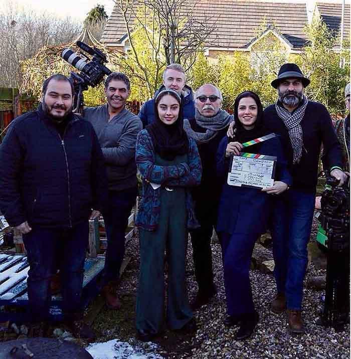 فیلم مصائب شیرین در کنار اعضای سازنده فیلم