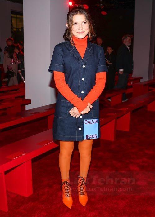 خانم میلی بابی بران (MILLIE BOBBY BROWN) در این طرح نارنجی رنگ کلوین کلین