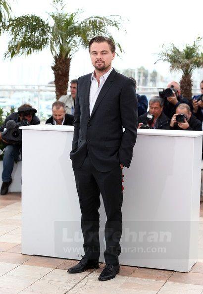 کن فرانسه و حضور دی کاپریو با کت  دو دکمه خاکستری رنگ در جشنواره فیلم  کن در سال ۲۰۱۳ میلادی