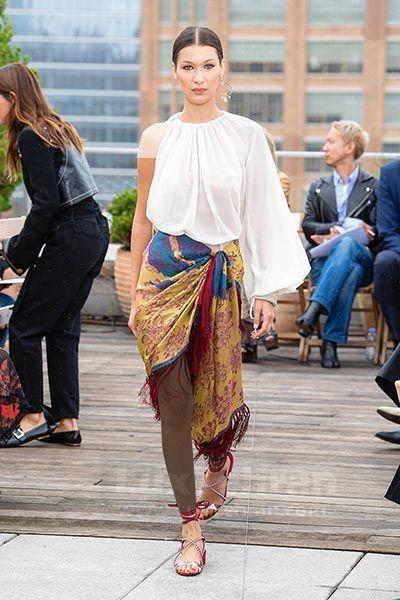 از کالکشن بهاره و تابستانی برند اسکار دلارنتا که در نیویورک ۲۰۱۹