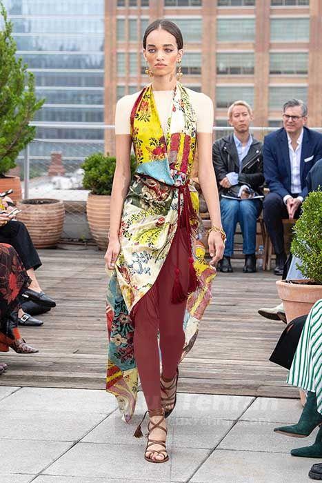 برند اسکار دلارنتا با طرح های گل دار و رنگارنگ