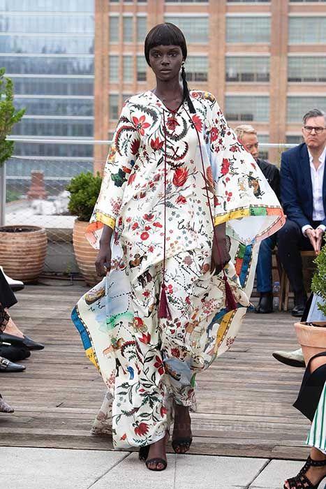 مانکن سیاه پوست برند اسکار دلارنتا