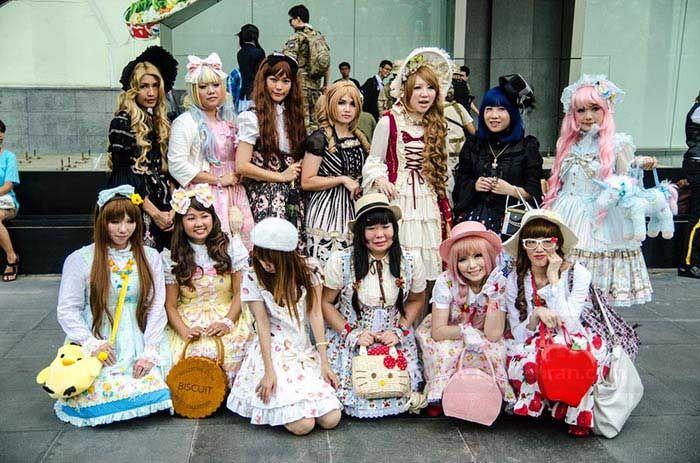 لولیتا را می توان استریت استایل تینیجرهای ژاپنی دانست لباس عروسکی