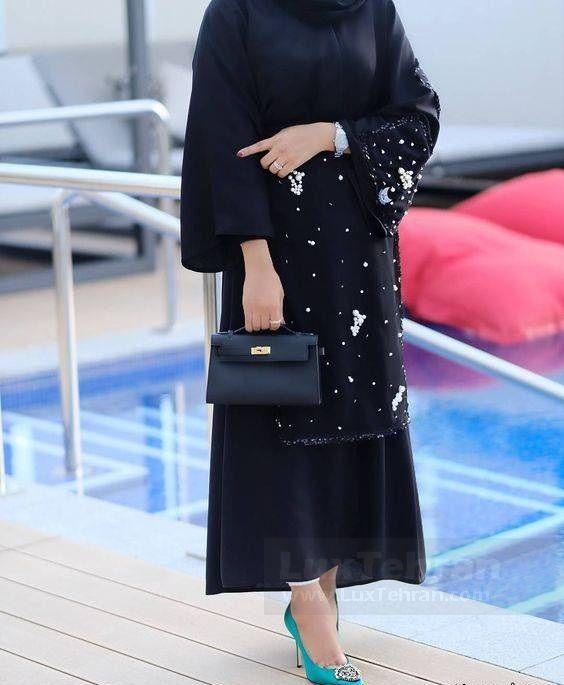 مانتو بلند و مجلسی مشکی  قابل  استفاده با لباس هایی با تناژ رنگ مختلف