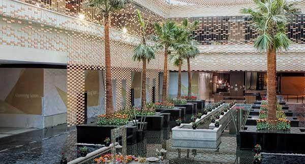(تصویری از معماری جذاب باغ دیدار در مرکز خرید ایران مال)