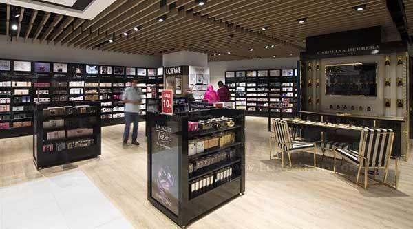 طبقه دوم مرکز خرید روشا، مجموعه ای اختصاصی برای لوازم ورزشی