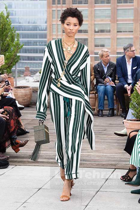 مونوکوم بلند پوشیده سفید و مشکی راه راه از کالکشن بهاره و تابستان ۲۰۱۹ میلادی برند اسکار دلارنتا