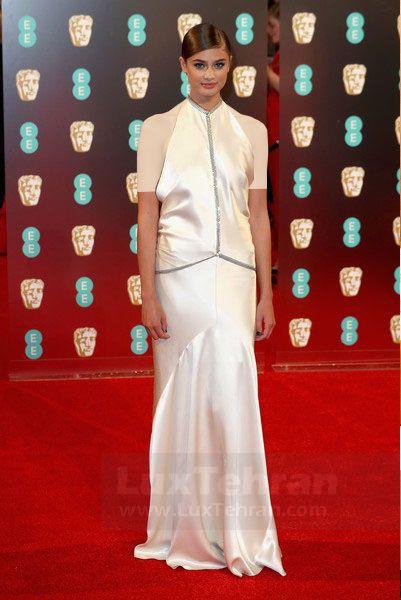 تیلور هیل از کالکشن HALTER DRESS او بوده و در مراسم BAFTA 2017
