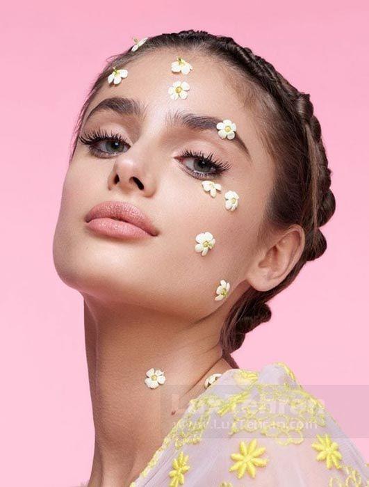 نکته های خوبی از آرایش ساده  و طرح لباس  های شیک این مدل جوان ویکتوریا سکرت تیلور هیل