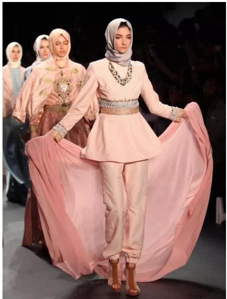 مانکن های پوشیده با حجاب کامل اسلامی