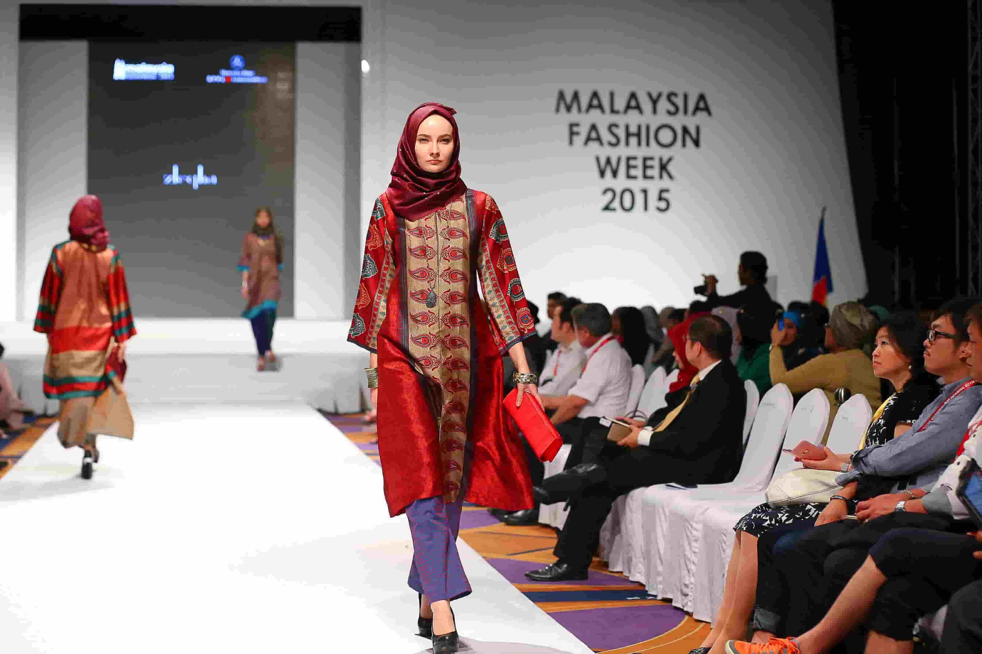 کت والک مانکن های با حجالب در فشن ویک ۲۰۱۵ کوالالامپور مالزی