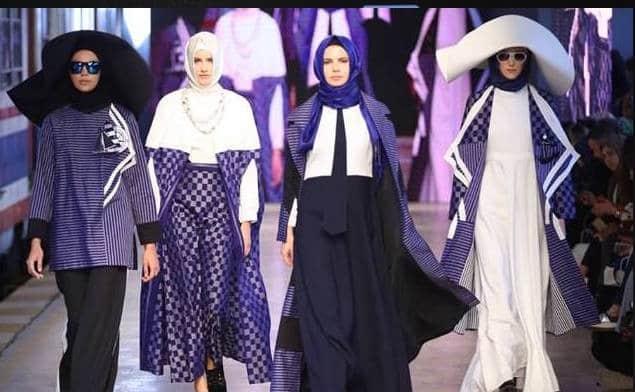 کت والک مانکن های با حجاب در هفته مد استانبول ترکیه
