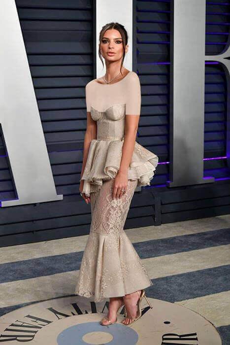 لباس خوش طرح امیلی راتاکووسکی