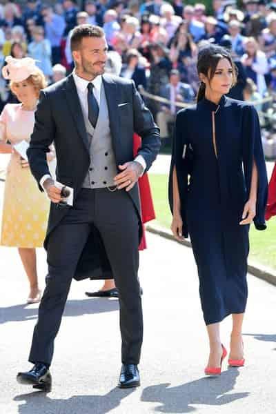 ویکتوریا بکهام در این عکس٬ در کنار همسر خوش تیپ اش