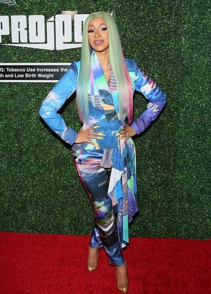 کاردی بی و کلکسیون لباس های کژوال و ردکارپتی این رپر در ۲۰۱۹ (Cardi B)