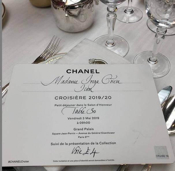 دعوت نامه ایی که chanel برای مهمانان ویژه برای تماشای این مراسم در GRAND PALAIS پاریس
