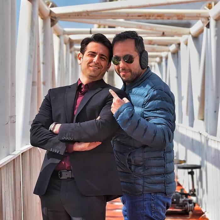 استایل امیر حسین آرمان با عوامل فیلمبرداری در پشت صحنه فصل اول سریال مانکن