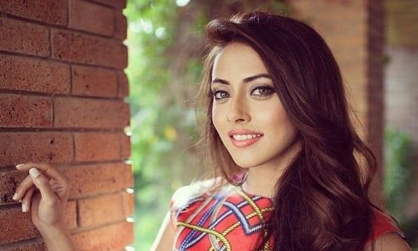 Ainy Jaffree مدل پاکستانی شبیه بهاره کیان افشار